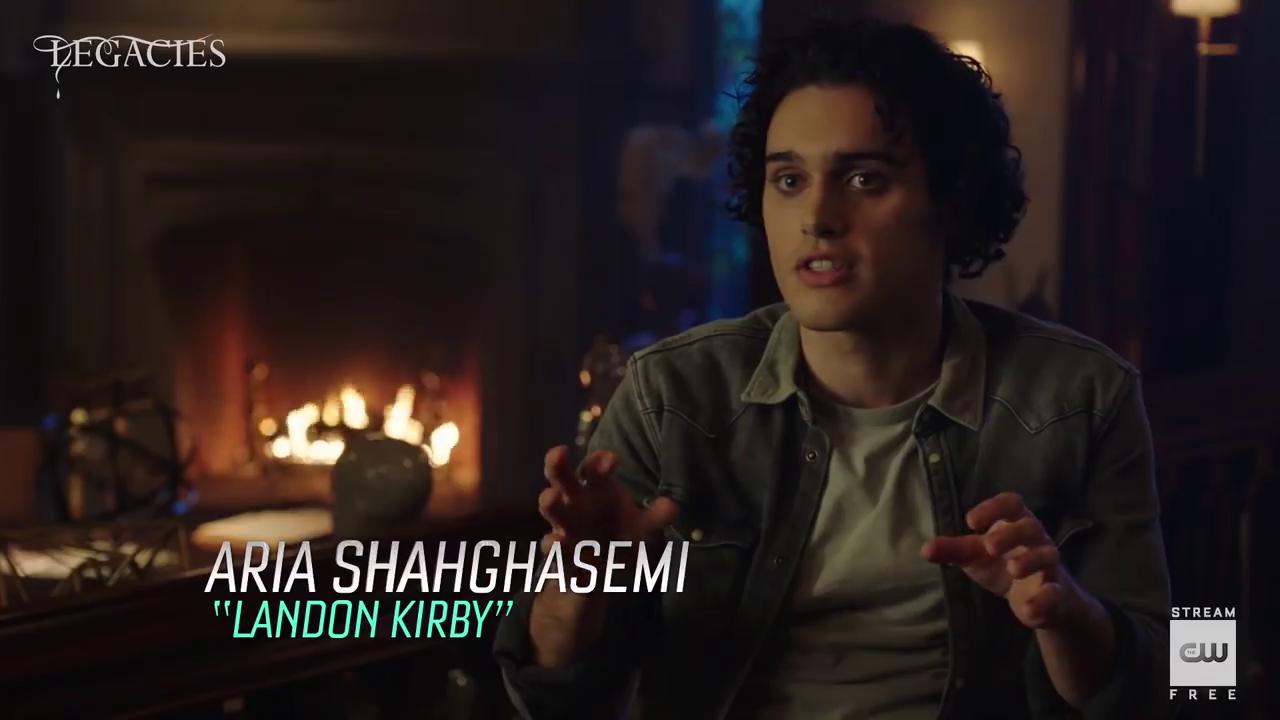 'Legacies' seizoen 3 – Aria Shahghasemi Interview